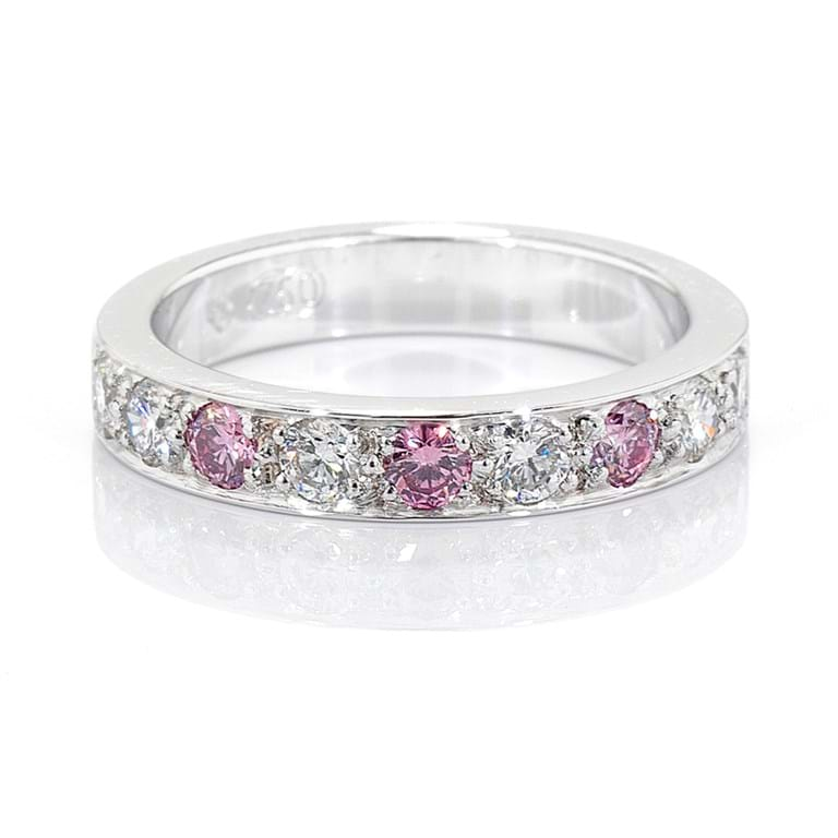Argyle Pink Diamond Grain Set Band
